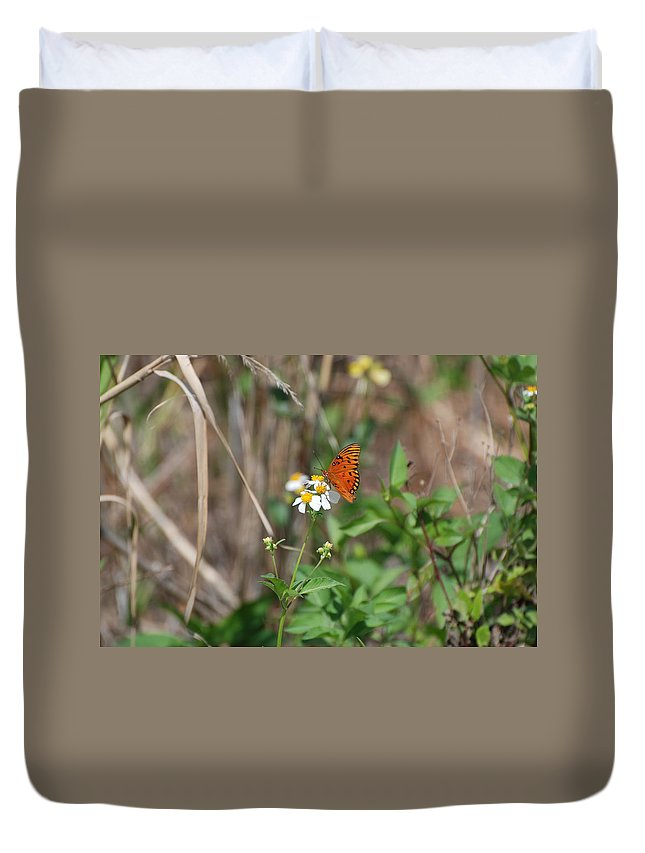 Butterfly Duvet Cover featuring the photograph Butterfly Flower by Rob Hans