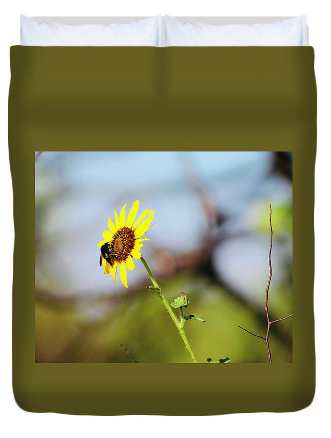 Flower Duvet Cover featuring the photograph Buzy Bee by Suzette Munson