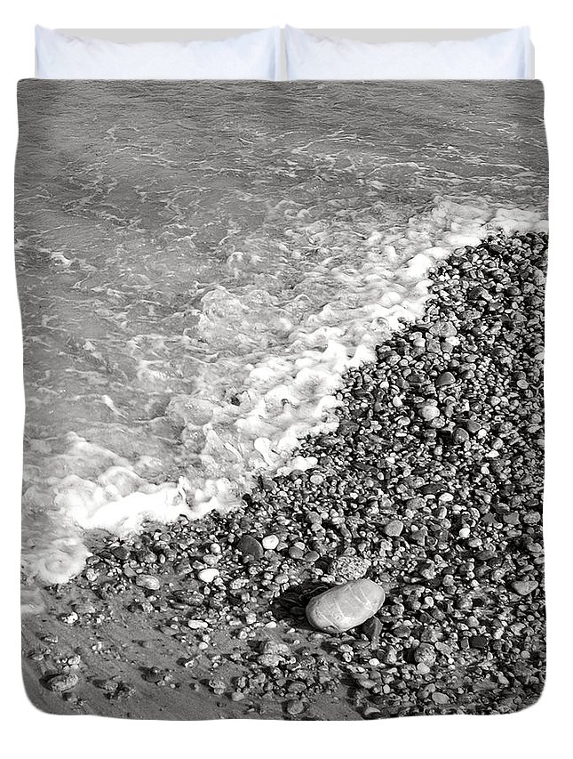 Sand Duvet Cover featuring the photograph Bw2 by Charles Harden