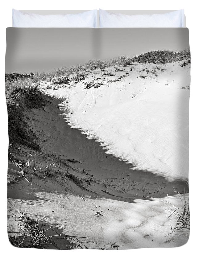 Sand Duvet Cover featuring the photograph Bw7 by Charles Harden