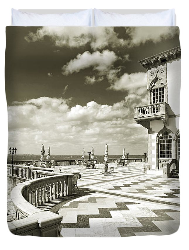 Ringling Duvet Cover featuring the photograph Ca D'zan Mansion by Mal Bray
