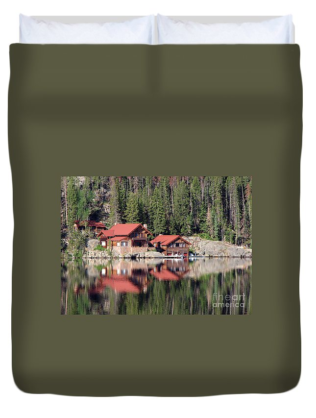Cabin Duvet Cover featuring the photograph Cabin by Amanda Barcon