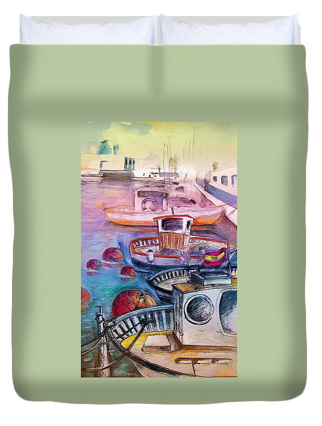 Calpe Duvet Cover featuring the painting Calpe Harbour 03 by Miki De Goodaboom