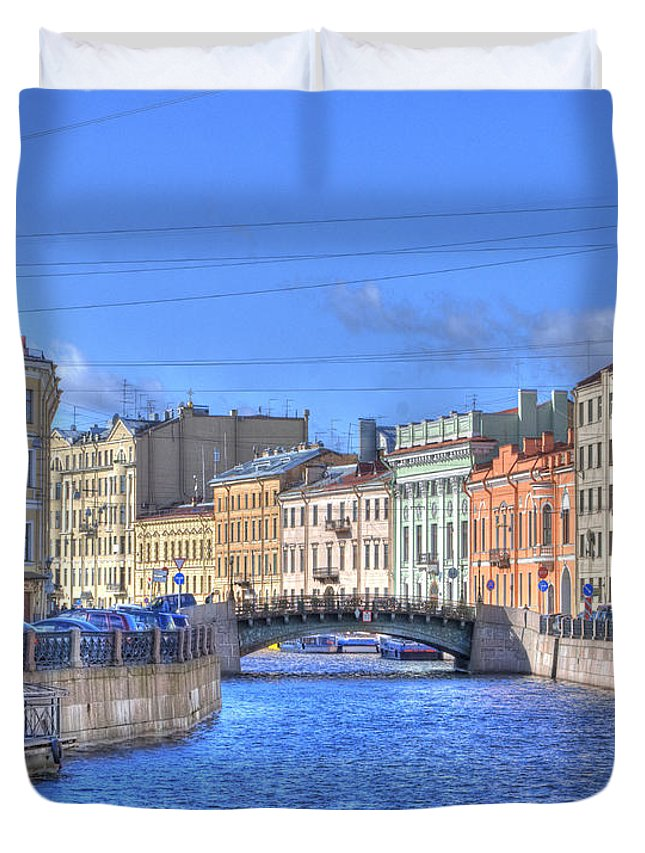 St. Petersburg Duvet Cover featuring the photograph Canal In St. Petersburgh Russia by Juli Scalzi