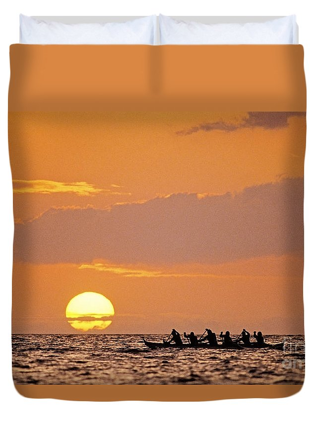 Anaehoomalu Duvet Cover featuring the photograph Canoeing At Sunset by Greg Vaughn - Printscapes