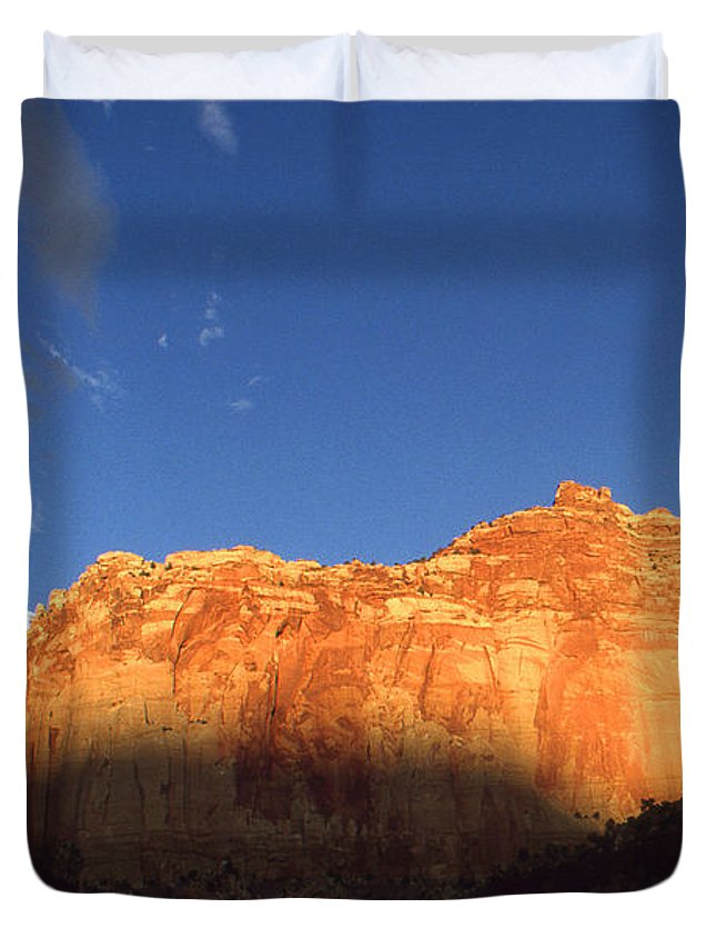 Capitol+reef Duvet Cover featuring the photograph Capitol Reef Utah At Sunset by Peter Potter