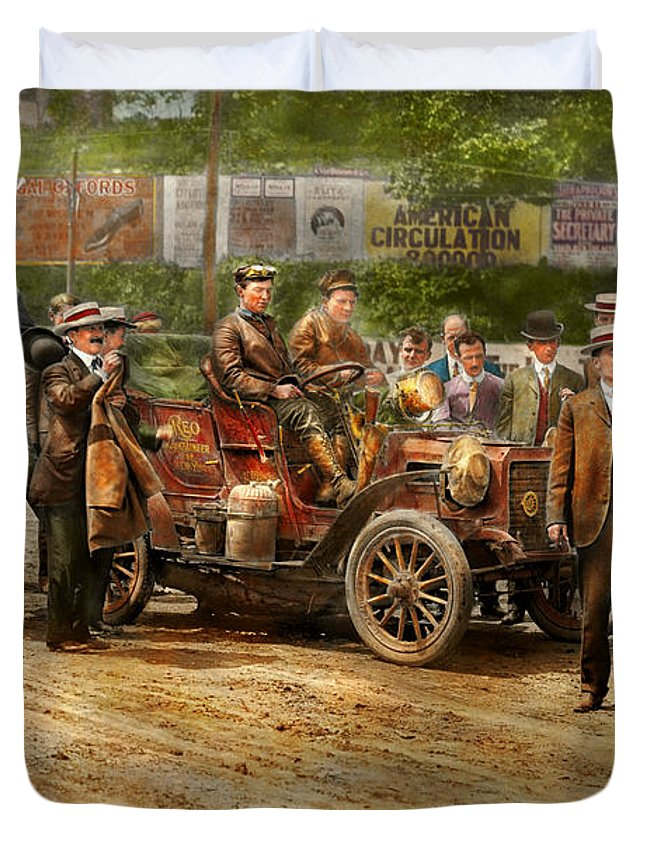 Color Duvet Cover featuring the photograph Car - Race - The End Of A Long Journey 1906 by Mike Savad