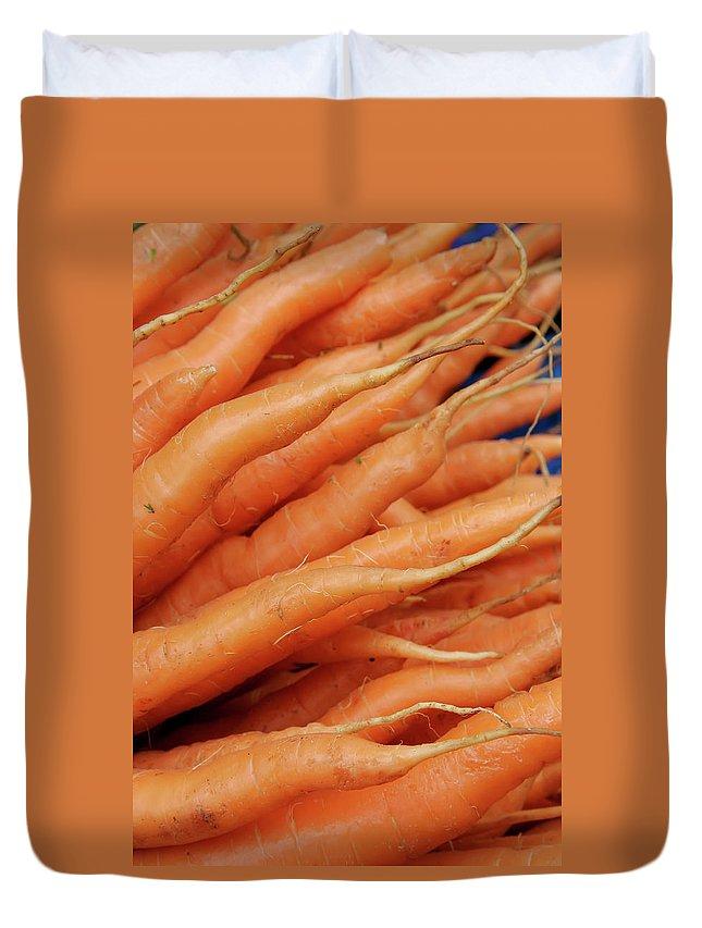 Carrots Duvet Cover featuring the photograph Carrot Market Bergen by KG Thienemann