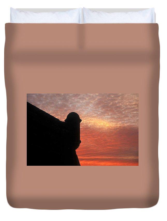 Castillo De San Marcos National Monument Florida Duvet Cover featuring the photograph Castillo De San Marcos by David Lee Thompson