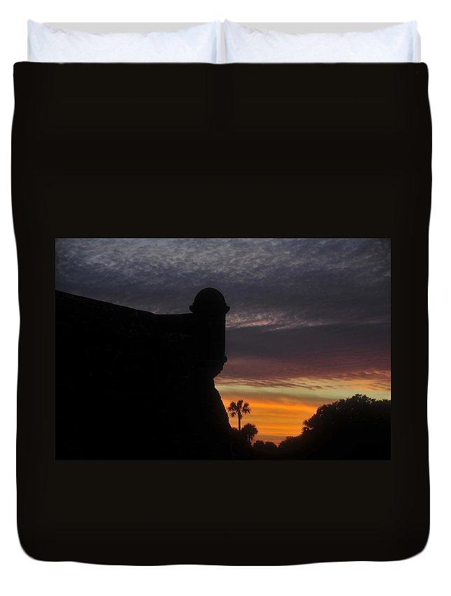 Castillo De San Marcos Duvet Cover featuring the photograph Castillo Evening by David Lee Thompson