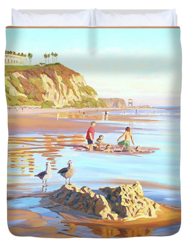 Seagulls Duvet Cover featuring the painting Castle Raiders by Steve Simon
