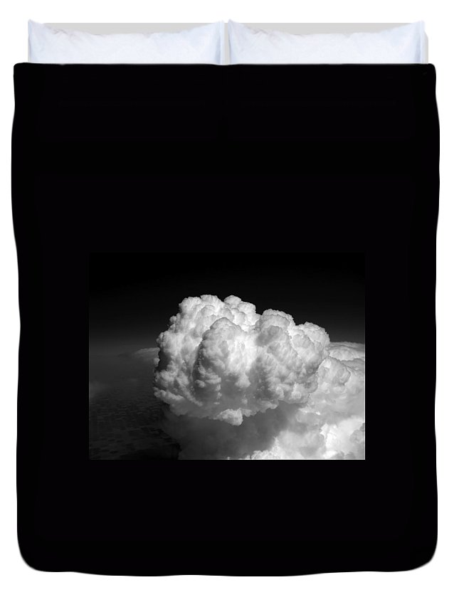Aviation Art Duvet Cover featuring the photograph Cb1.981 by Strato ThreeSIXTYFive