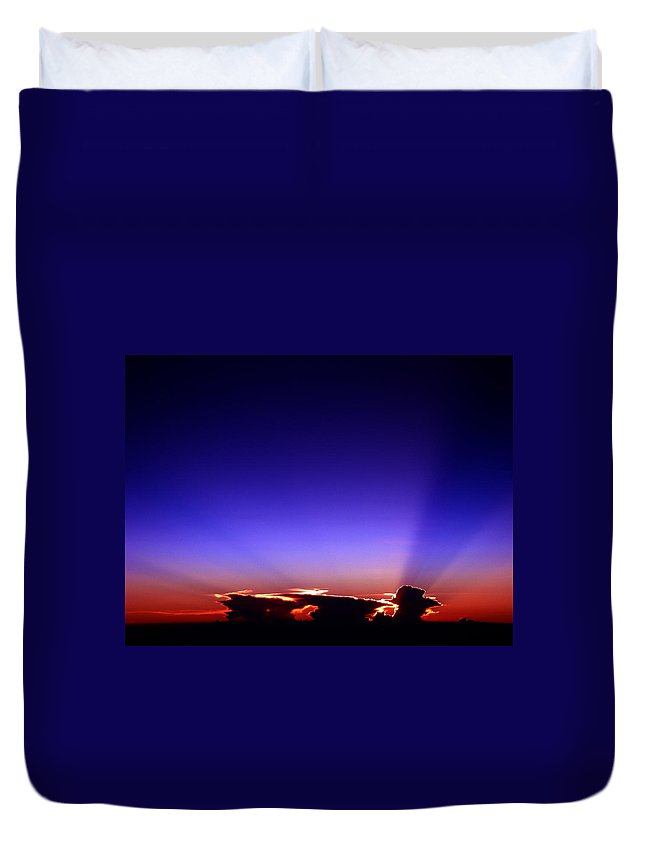 Aviation Art Duvet Cover featuring the photograph Cb2.243 by Strato ThreeSIXTYFive