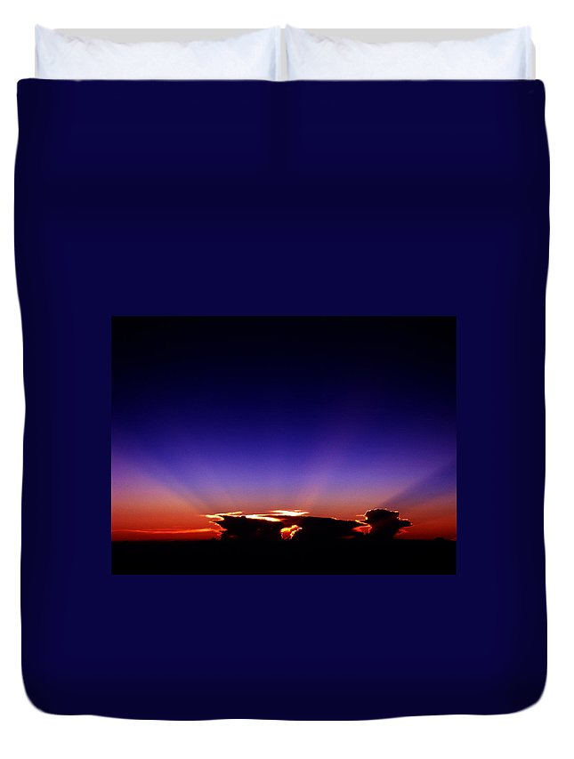 Aviation Art Duvet Cover featuring the photograph Cb2.246 by Strato ThreeSIXTYFive