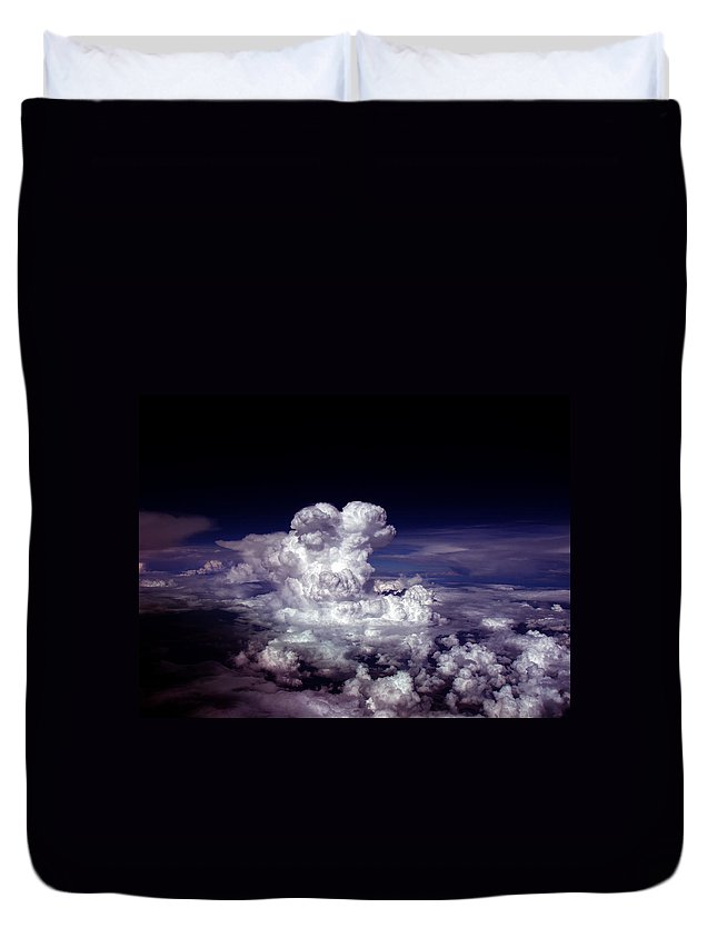 Aviation Art Duvet Cover featuring the photograph Cb2.339 by Strato ThreeSIXTYFive