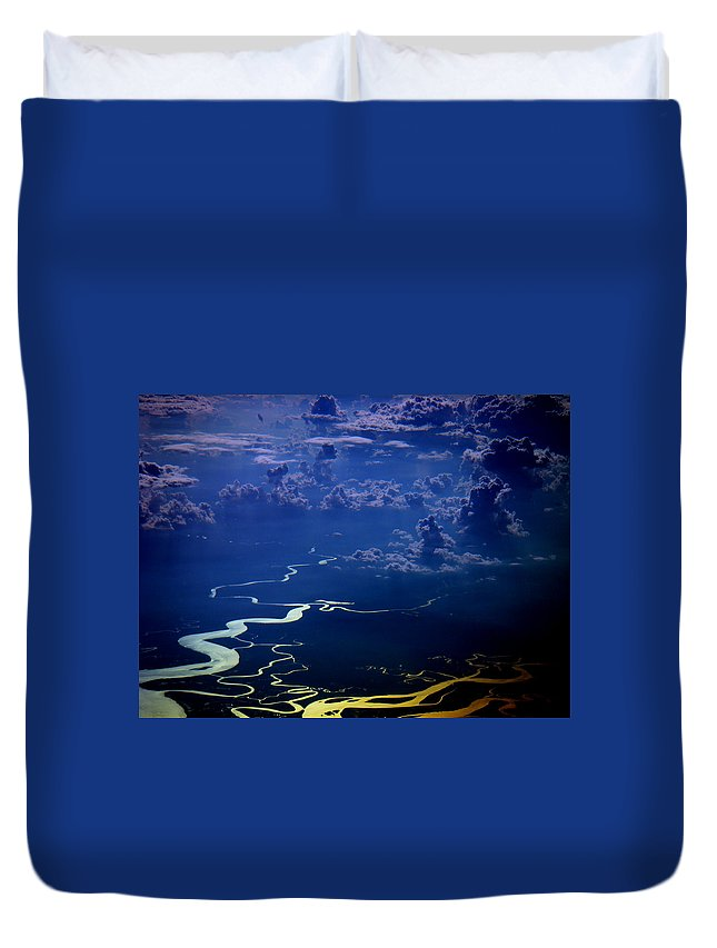 Aviation Art Duvet Cover featuring the photograph Cb3.91 by Strato ThreeSIXTYFive