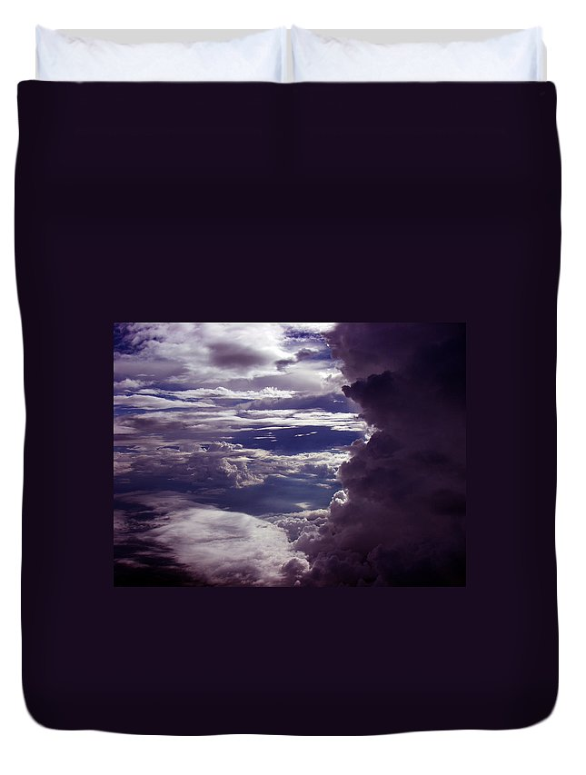 Aviation Art Duvet Cover featuring the photograph Cb4.00 by Strato ThreeSIXTYFive