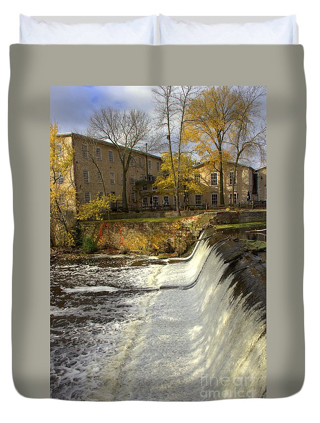 Cedarburg Duvet Cover featuring the photograph Cedar Creek Dam by Carol Komassa