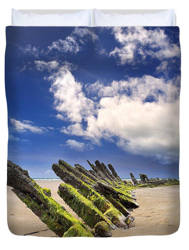 Cefn Sidan Duvet Cover featuring the photograph Cefn Sidan Beach 3 by Phil Fitzsimmons