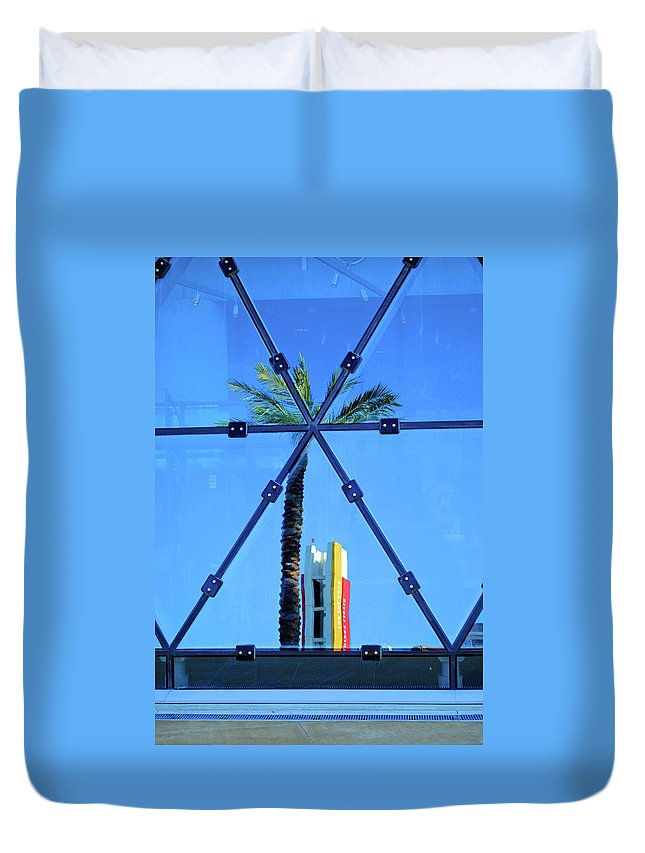 Palm Duvet Cover featuring the photograph Center Of The Palm by Jost Houk