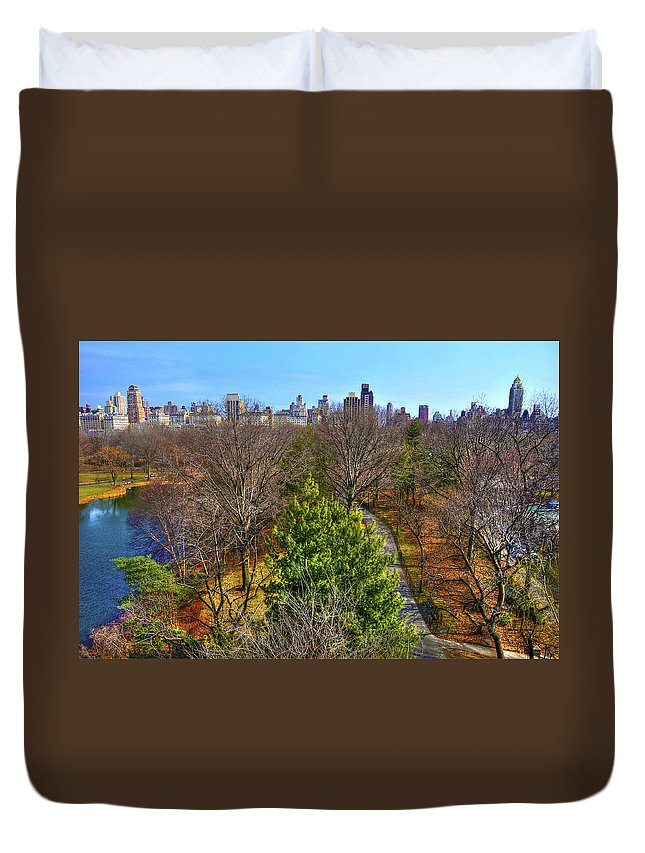 Cityscapes Duvet Cover featuring the photograph Central Park East Skyline by Randy Aveille
