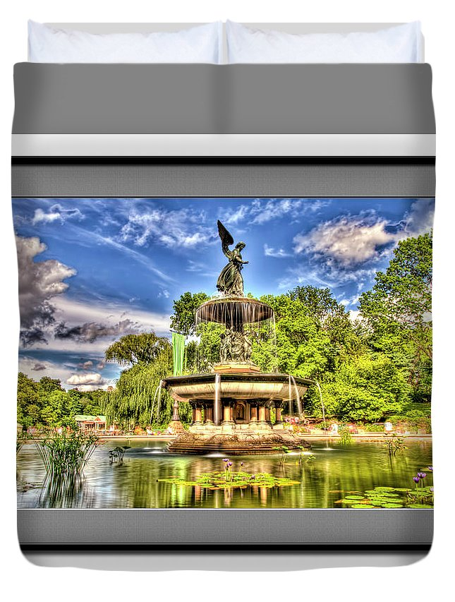 Recent Duvet Cover featuring the photograph Central Park by Geraldine Scull