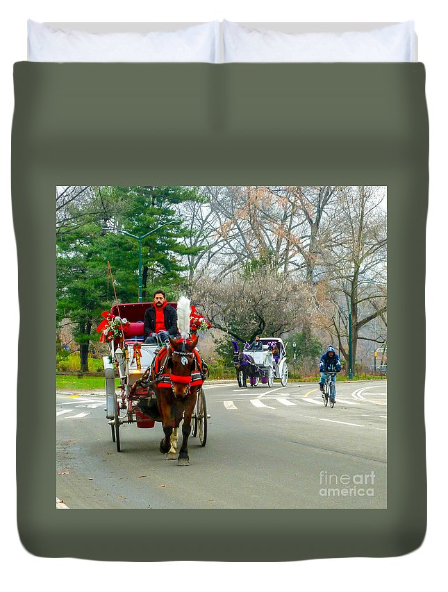 This Is A Photo Of A Couple Horse And Buggy Rides In Central Park New York City. Duvet Cover featuring the photograph Central Park Horse And Buggy Rides New York City by William Rogers