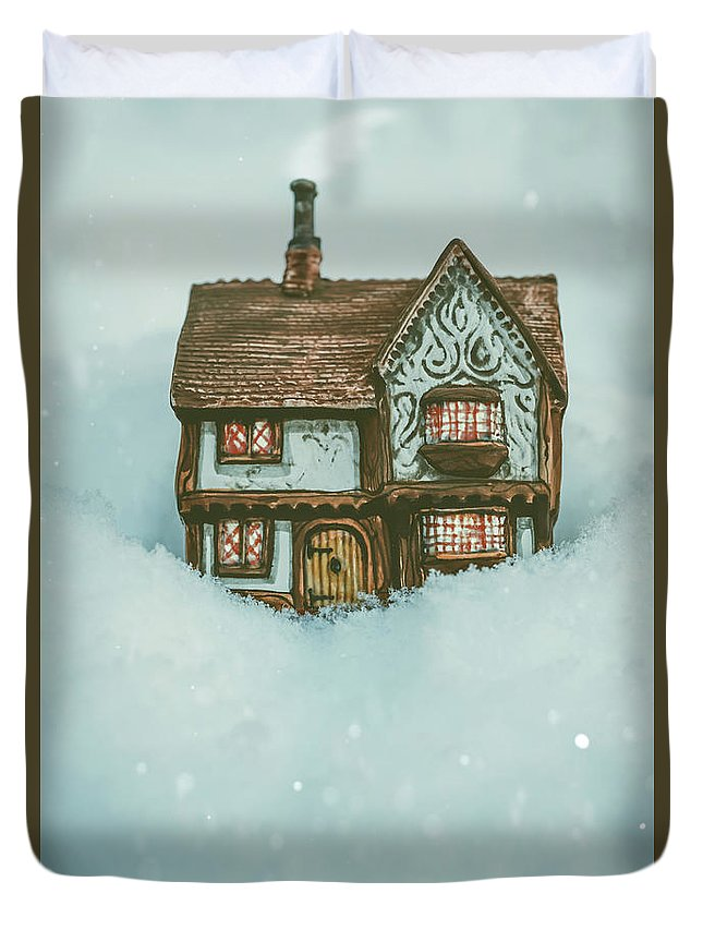 Ceramic Duvet Cover featuring the photograph Ceramic Cottage In Snow by Amanda Elwell
