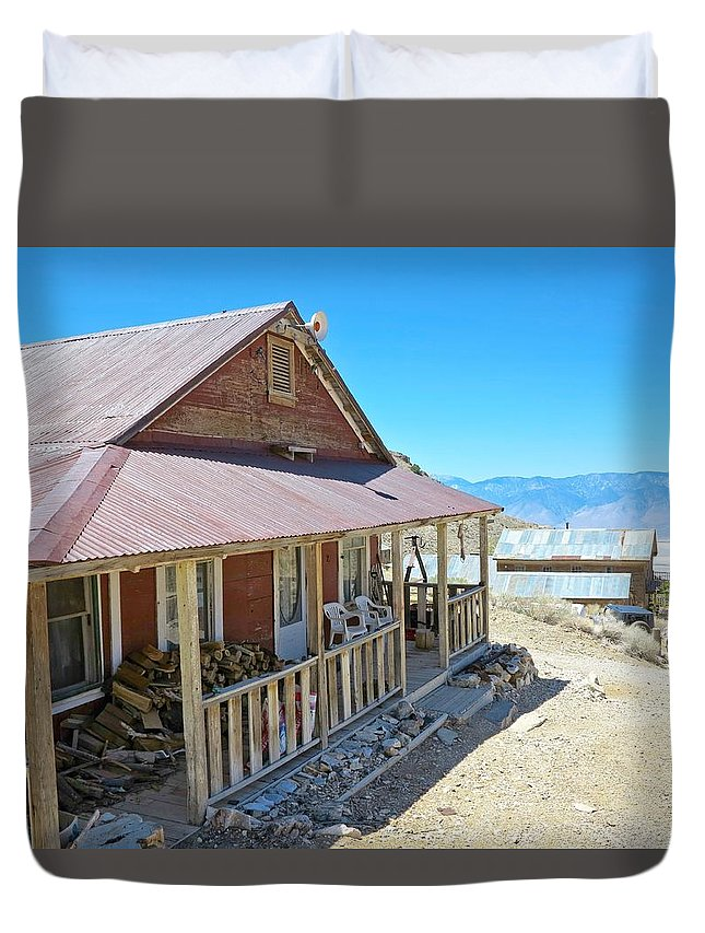 4x4 Duvet Cover featuring the photograph Cerro Gordo Beaudry House by Backcountry Explorers