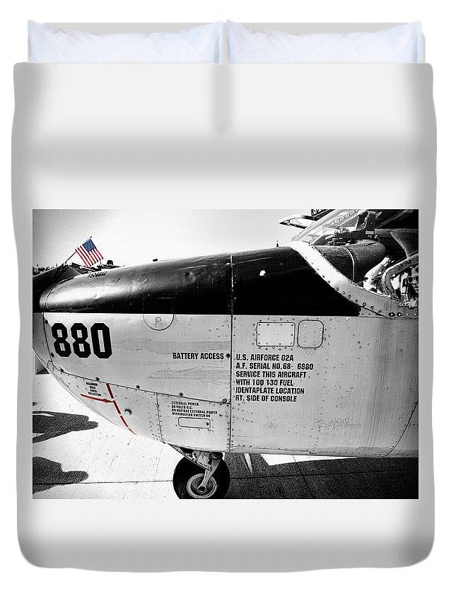 Cessna O-2 Skymaster V2 Duvet Cover
