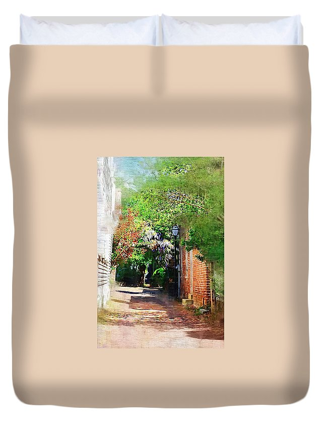 Alley Duvet Cover featuring the photograph Charlestons Alley by Donna Bentley