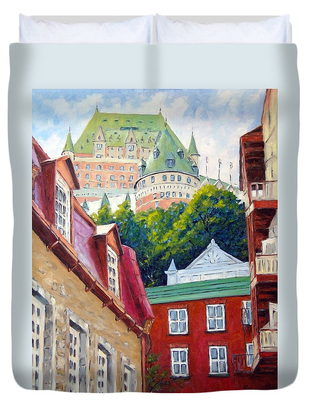 Town Duvet Cover featuring the painting Chateau Frontenac 02 by Richard T Pranke