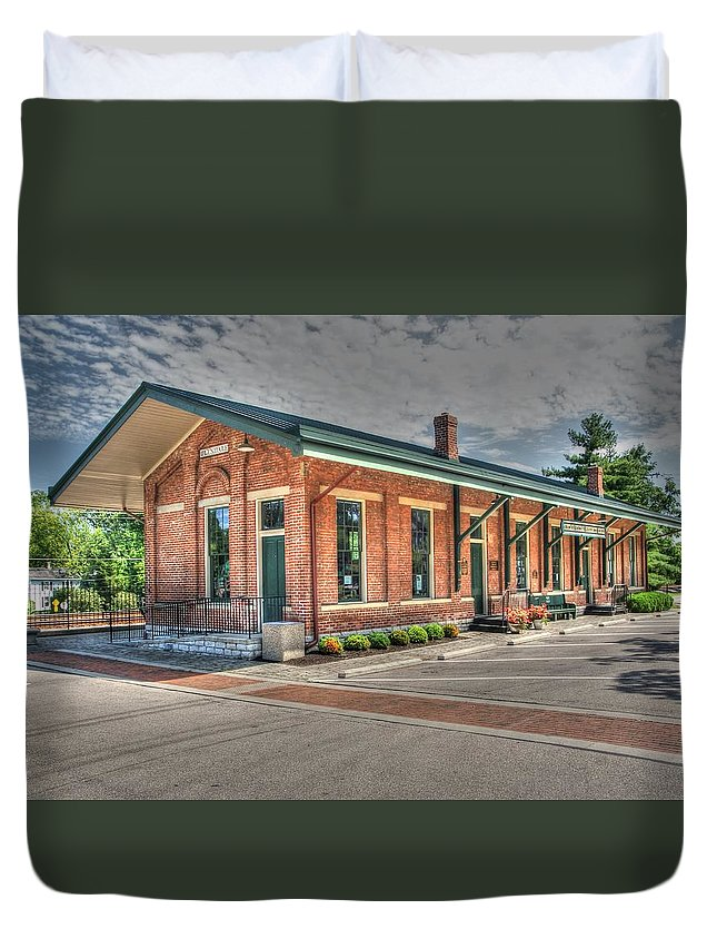 Railroad Duvet Cover featuring the photograph Glendale,ohio Train Depot by Paul Lindner