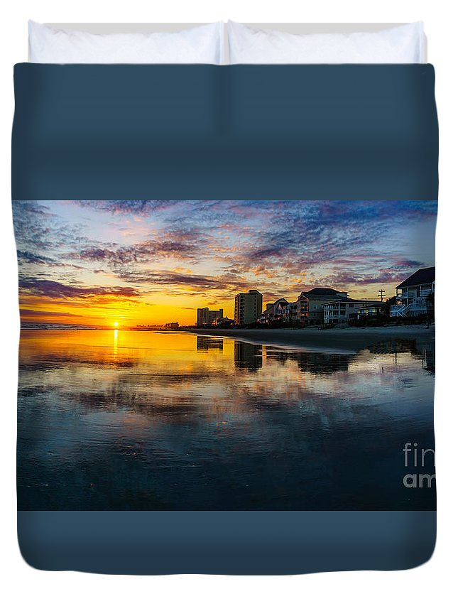 Myrtle Beach Days Collection Duvet Cover featuring the photograph Cherry Grove Beach Front Sunset by David Smith