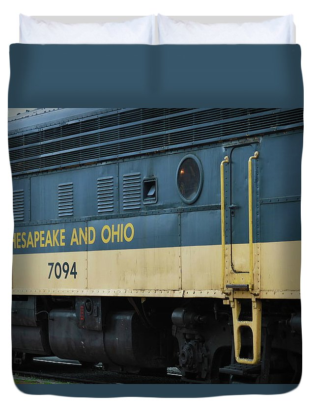 7094 Duvet Cover featuring the photograph Chesapeake And Ohio Boxcar by Cathy Lindsey