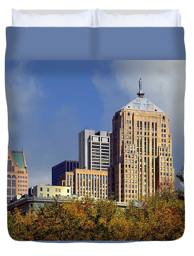 Cbot Duvet Cover featuring the photograph Chicago Board Of Trade Building - Cbot by Christine Till
