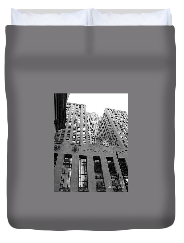 Black And White Duvet Cover featuring the photograph Chicago Board Of Trade by David Bearden