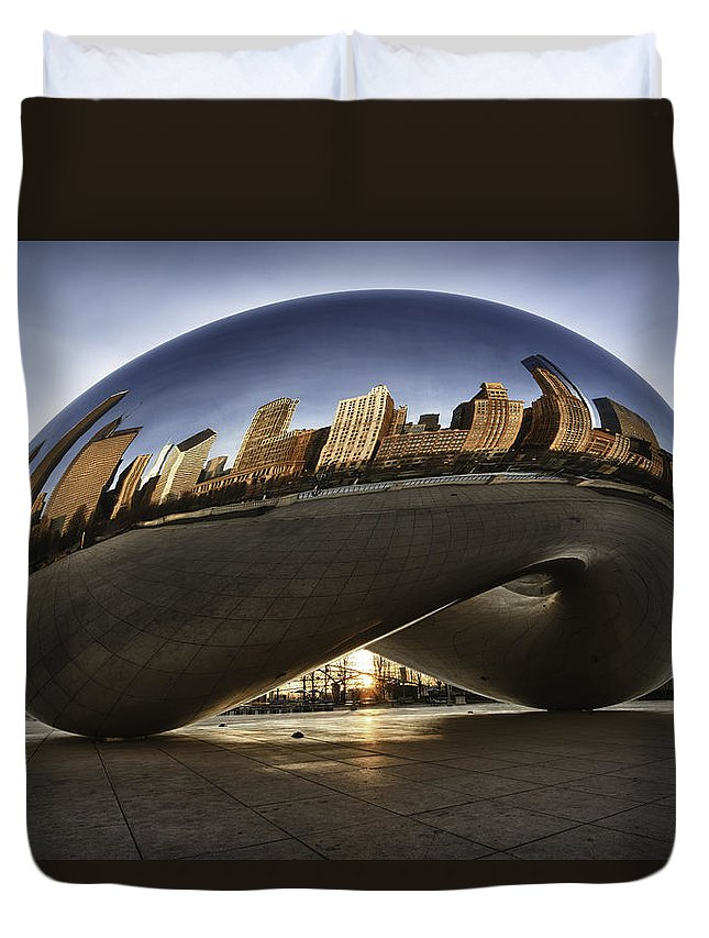 Chicago Cloud Gate Duvet Cover featuring the photograph Chicago Cloud Gate At Sunrise by Sebastian Musial