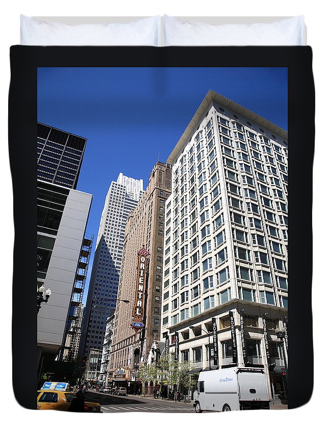 America Duvet Cover featuring the photograph Chicago Downtown by Frank Romeo