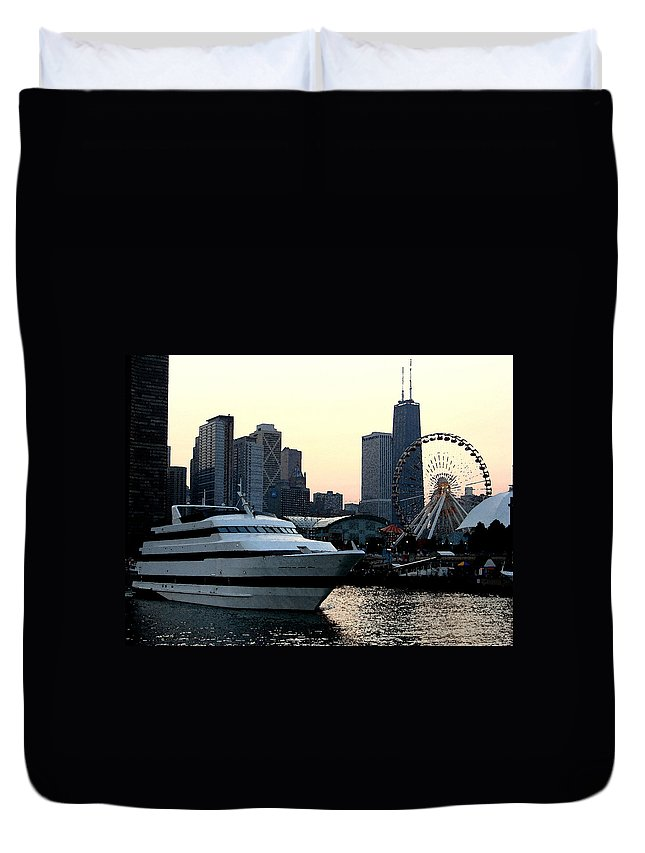 Photo Duvet Cover featuring the photograph Chicago Navy Pier by Glory Fraulein Wolfe