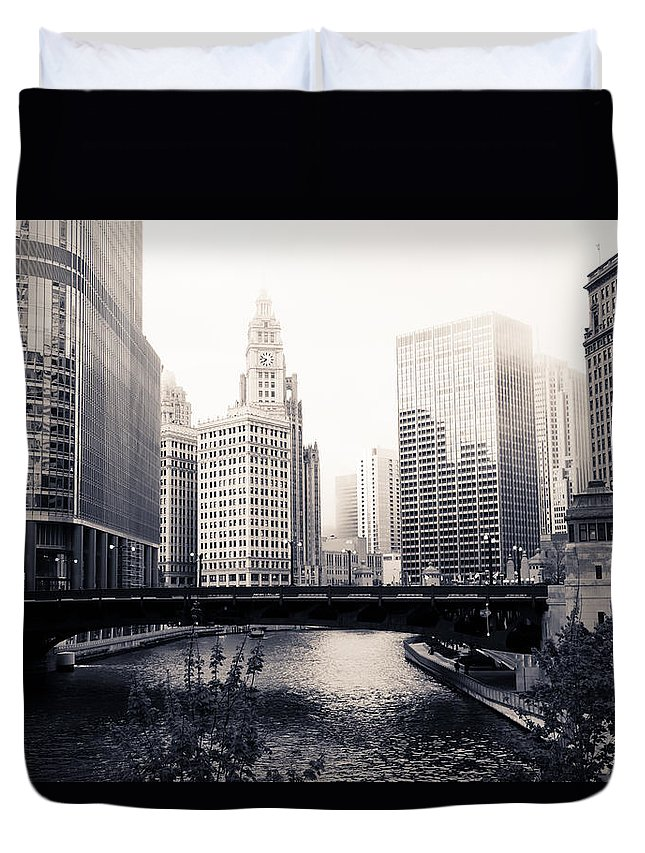 Bridge Duvet Cover featuring the photograph Chicago River Skyline by Paul Velgos