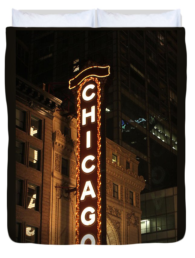 Chicago Duvet Cover featuring the photograph Chicago Theater At Night by Lauri Novak