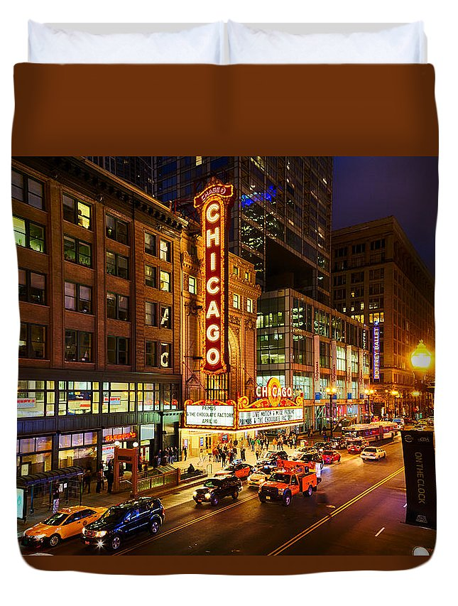 Chicago Duvet Cover featuring the photograph Chicago Theater At Night by Terri Morris