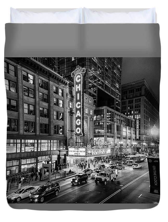 Chicago Duvet Cover featuring the photograph Chicago Theater In Black And White by Terri Morris