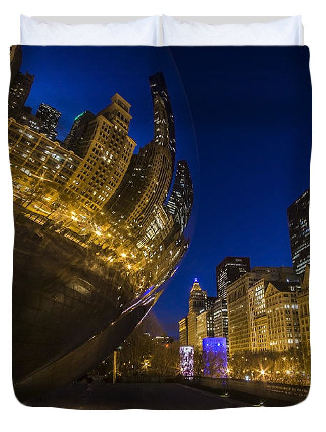 Bean Duvet Cover featuring the photograph Chicago's Millenium Park At Dusk by Sven Brogren