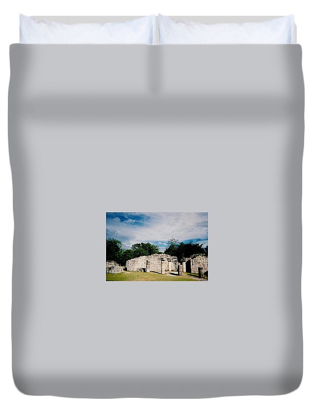 Chitchen Itza Duvet Cover featuring the photograph Chichen Itza 2 by Anita Burgermeister
