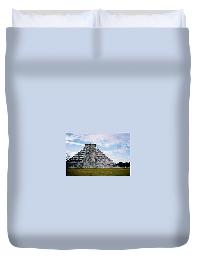 Chitchen Itza Duvet Cover featuring the photograph Chichen Itza 4 by Anita Burgermeister
