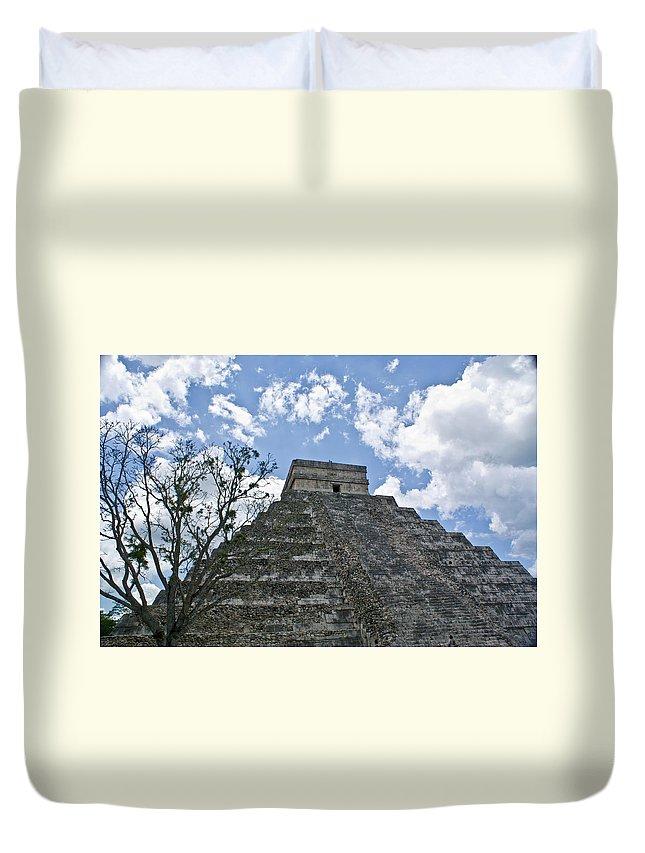 Chichen Itza Duvet Cover featuring the photograph Chichen Itza 6 by Douglas Barnett