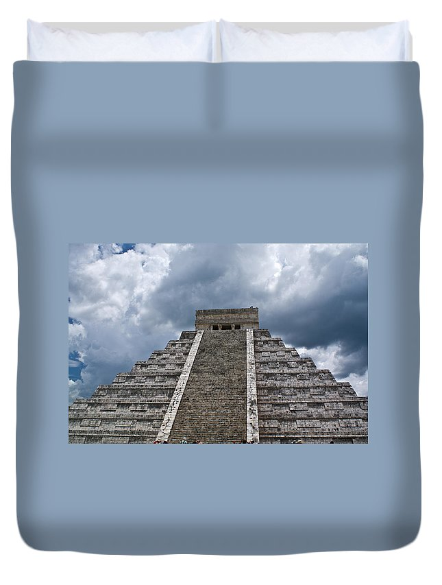 Pyrmid Duvet Cover featuring the photograph Chichen-itza Pyrmid In Mexico by Douglas Barnett