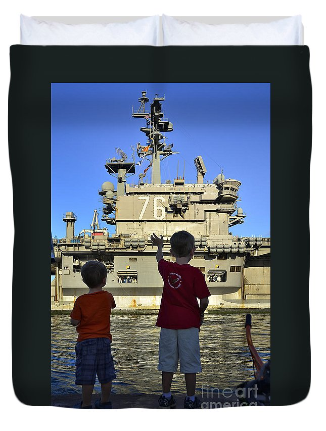 Aircraft Carrier Duvet Cover featuring the photograph Children Wave As Uss Ronald Reagan by Stocktrek Images